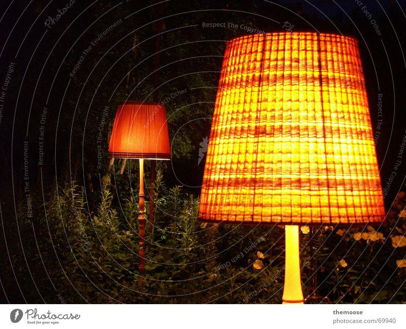 dasLEUCHTEN Lampe Licht rot Nacht Lampenschirm Lampenständer Stehlampe Stoff dunkel Physik gemütlich gelb grün 2 alt orange metallständer Wärme Pflanze