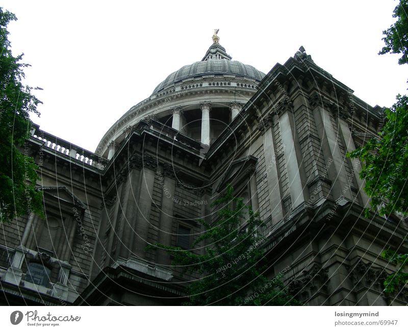 St.Pauls London Kuppeldach grau England Froschperspektive Stadt Götter Religion & Glaube Wahrzeichen Kathedrale Gott british st. pauls cathedral Architektur