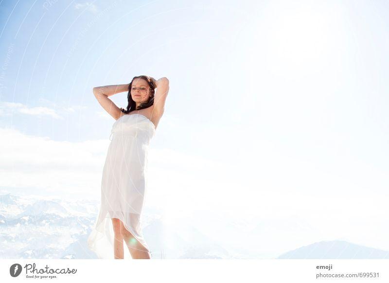 free Mensch Himmel Natur Jugendliche blau schön weiß Junge Frau 18-30 Jahre Erwachsene Umwelt feminin hell Kleid