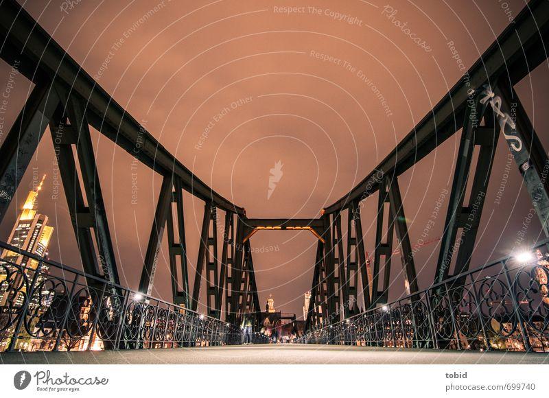Bridge at Night alt Stadt braun Metall Brücke historisch Bauwerk Stahl Brückengeländer Sehenswürdigkeit eckig Frankfurt am Main Nachthimmel Stahlträger