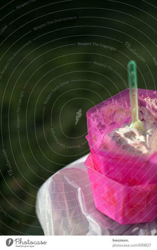 ut köln | nicht aufgegessen. Lebensmittel Speiseeis Ernährung Geschirr Schalen & Schüsseln Löffel Ausflug Sommer Schönes Wetter Kunststoff Essen kalt lecker süß