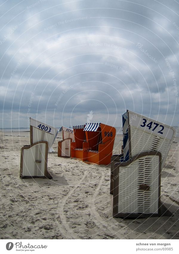 himmelhoch jauchzend Natur Wasser weiß Meer blau Strand ruhig Einsamkeit See Sand Regen Linie Stimmung orange Wind Wetter