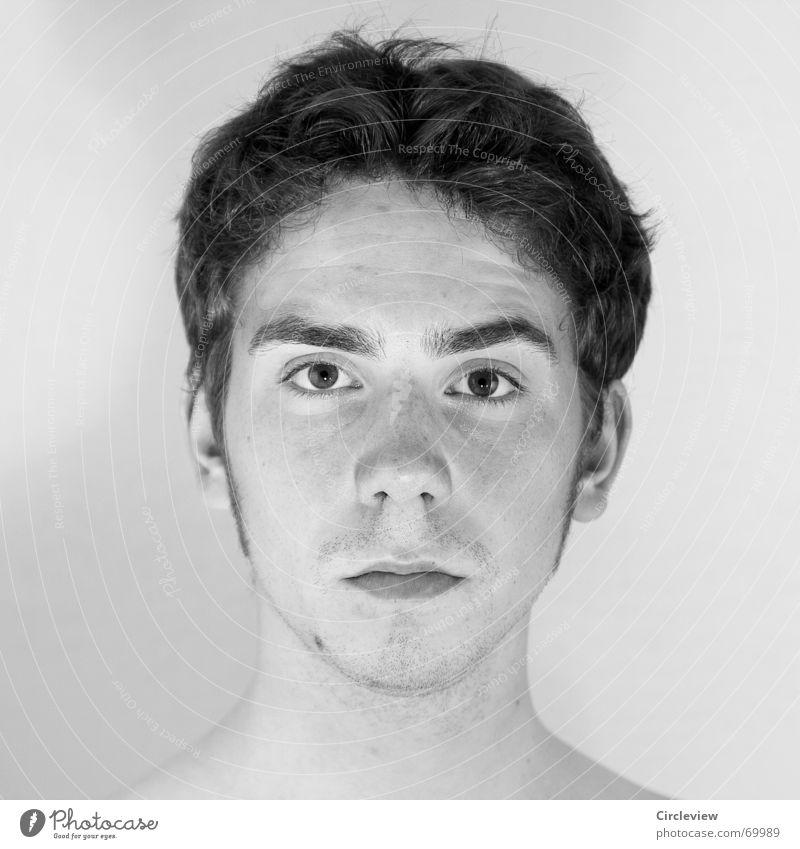 Alles beim Alten Porträt Mann schwarz ernst streng Haare & Frisuren kalt fertig Konzentration Schwarzweißfoto serious Stil binding tough man severe Gesicht Ohr