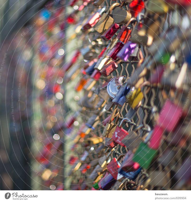 ut köln | 299 mal liebe. Stadt Liebe Wege & Pfade Metall Freundschaft Zusammensein Brücke Wandel & Veränderung Sicherheit Hoffnung Zeichen Kitsch Partnerschaft hängen Schloss Trennung