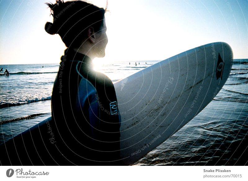 Ja wo sind sie denn? Wasser Meer blau warten Sehnsucht Frankreich Surfen Surfbrett Neopren