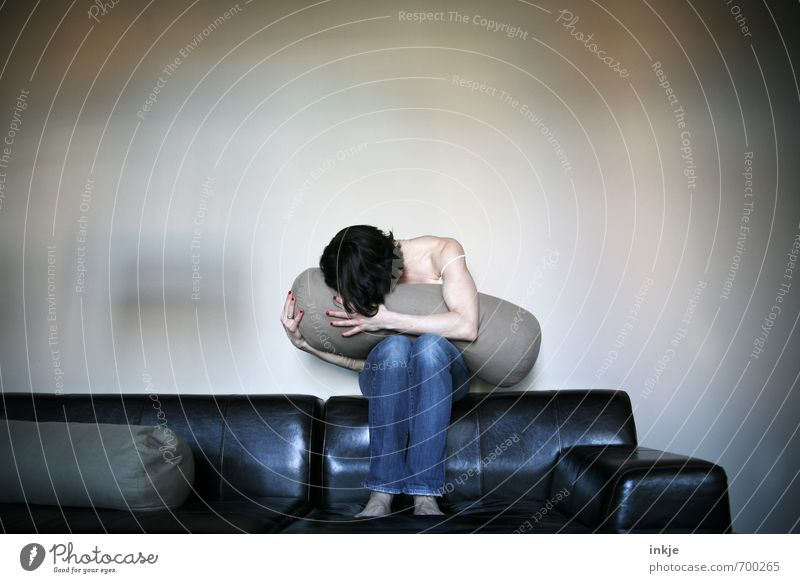 *knutsch* Mensch Frau Einsamkeit Freude Erwachsene Leben Traurigkeit Gefühle Liebe Stil Stimmung Freizeit & Hobby Wohnung Körper Lifestyle Häusliches Leben