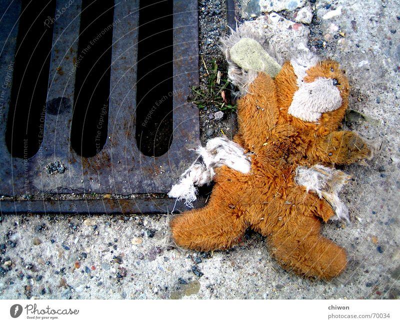 seitenstechen Straße Tod Traurigkeit Trauer süß Lastwagen niedlich Hase & Kaninchen Gully Versicherung Altersversorgung Stofftiere Vieh Plüsch Rums