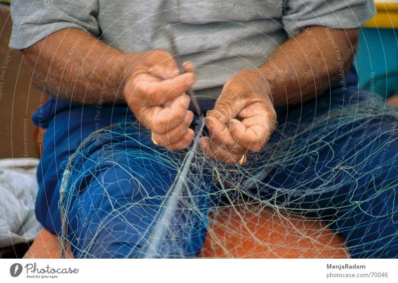 Fischer Mann Hand Arbeit & Erwerbstätigkeit T-Shirt Netz Hose Fischer Nadel Malta Marsaxlokk
