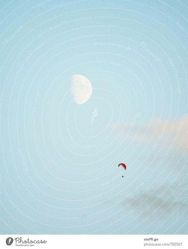 Freiheit Freizeit & Hobby Ausflug Abenteuer Ferne 1 Mensch Himmel Mond beobachten fliegen Ferien & Urlaub & Reisen Sport Unendlichkeit Glück Zufriedenheit