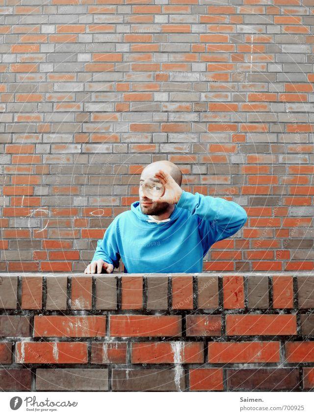 isch auge disch IV Mensch Jugendliche Mann blau rot 18-30 Jahre Gesicht Erwachsene Auge Mauer Stein Linie Kopf maskulin Fassade Neugier