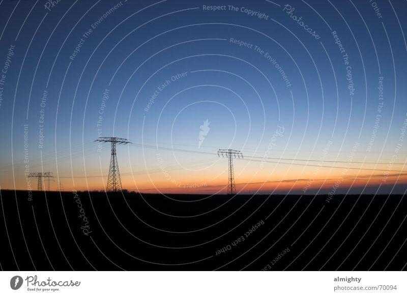 BlueHour Feld Sonnenuntergang Chemnitz Licht Abenddämmerung Dämmerung Elektrizität Kabel Silhouette Landschaft