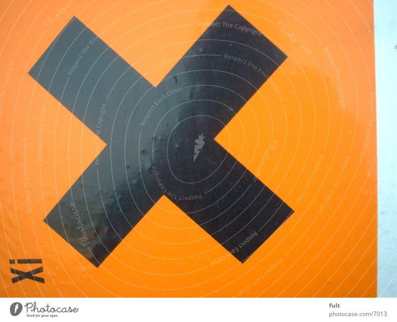 X schwarz Stil orange Dinge