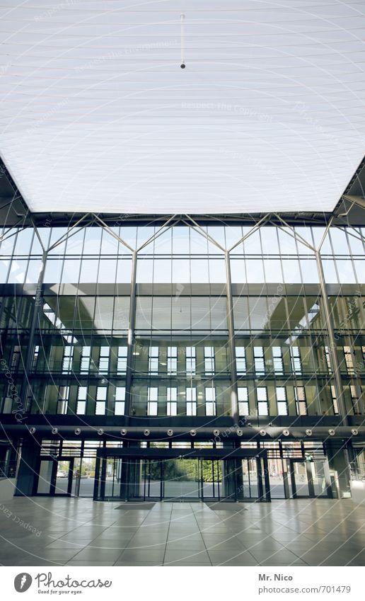 ut köln | er-te-el Stadt Bankgebäude Bauwerk Gebäude Architektur Fassade hell Foyer Glasfassade Hotel Strukturen & Formen glänzend modern Reflexion & Spiegelung