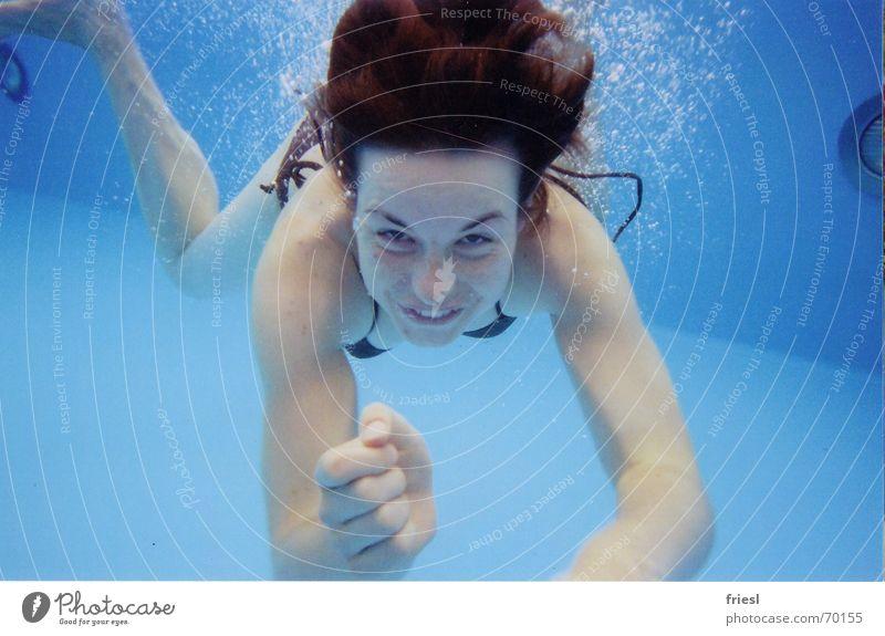 Ick hau dir Frau Wasser blau Schwimmen & Baden tauchen Bikini blasen