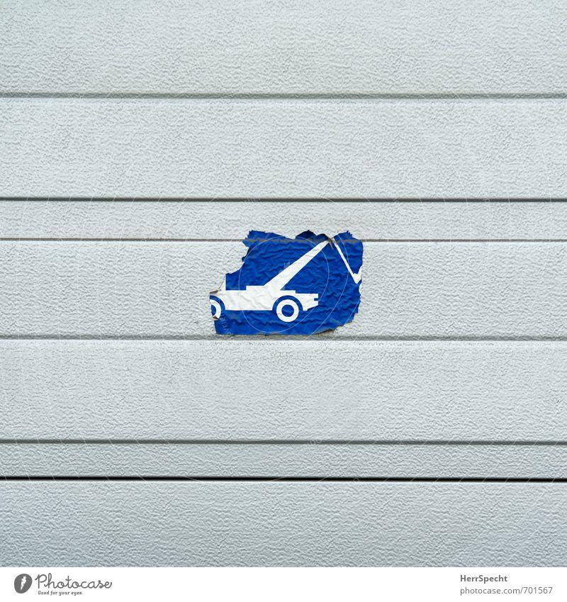 Schlepper | Ab blau alt Stadt Haus Wand Mauer Gebäude Metall Fassade Verkehr Schilder & Markierungen Hinweisschild Streifen kaputt Zeichen Bauwerk