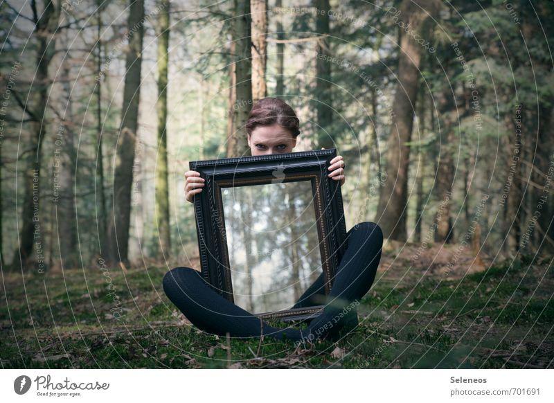 Spieglein, Spieglein Mensch Frau Natur Jugendliche Baum Landschaft 18-30 Jahre Wald Gesicht Erwachsene Umwelt Auge feminin natürlich Beine Schönes Wetter