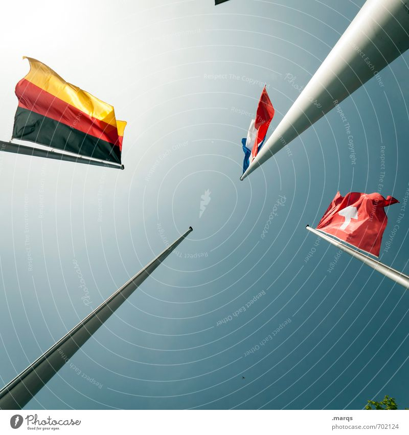 Dreiländereck Wolkenloser Himmel Schönes Wetter Zeichen Fahne Politik & Staat Europa Deutsche Flagge Schweizerflagge Frankreich Macht Stolz Wahlen Wind Zukunft