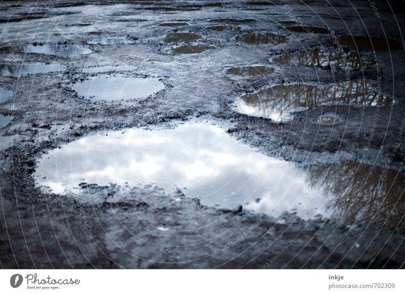 Wonnemonat Mai Umwelt Erde Wasser Himmel Frühling Herbst Winter Klima Wetter schlechtes Wetter Regen Park Pfütze Straße Wege & Pfade dunkel kalt nass trist
