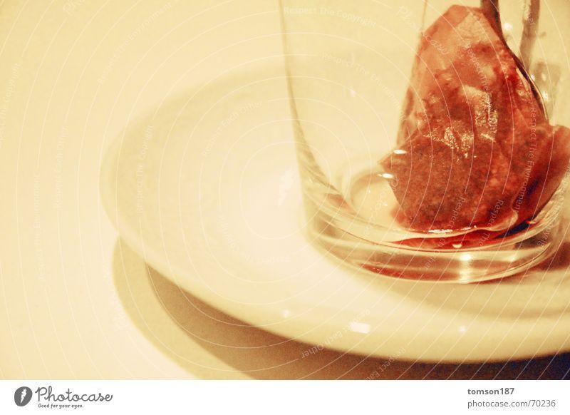 fleischtee Tasse trinken Kriegsschauplatz rot weiß Tee Glas Schlacht Blut