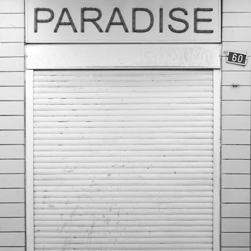 Paradise closed Antwerpen Belgien Stadt Stadtzentrum Bauwerk Gebäude Fassade retro trashig trist Traurigkeit Endzeitstimmung kaufen Handel Krise Misserfolg