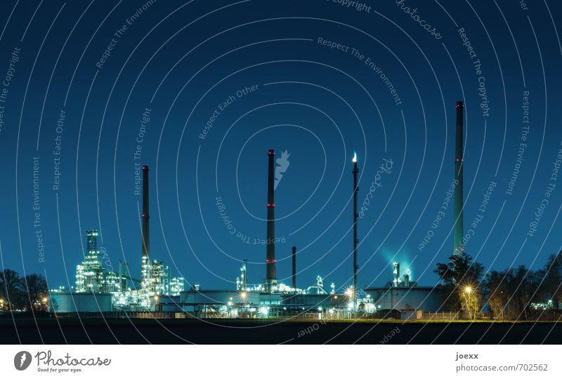 _|__|i_|_| Energiewirtschaft Industrie Industrieanlage Fabrik hoch Umweltverschmutzung Farbfoto mehrfarbig Außenaufnahme Menschenleer Abend Dämmerung Kunstlicht