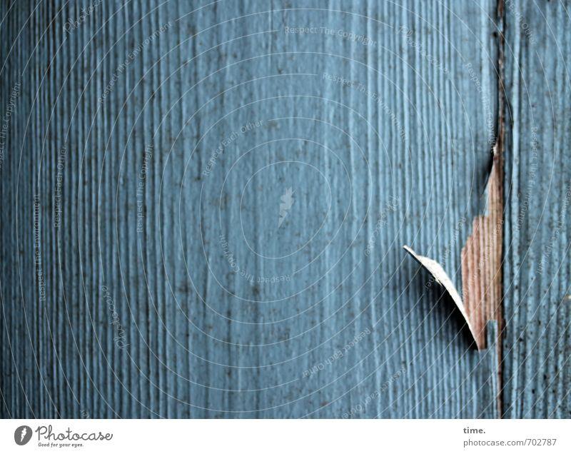 angezählt blau alt dunkel Wand Leben Mauer Holz Linie Fassade kaputt Wandel & Veränderung Vergänglichkeit Verfall Müdigkeit Schmerz Riss