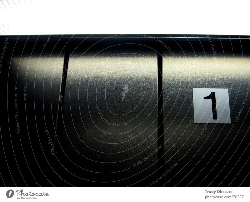 postcard no. 1 Fahrstuhl Hintergrundbild Ziffern & Zahlen abwärts Blick nach unten aufsteigen oben aufwärts Güterverkehr & Logistik Bewegung