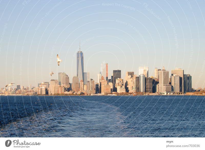 Manhattan Skyline Ferien & Urlaub & Reisen Stadt Haus Reisefotografie Architektur Tourismus Hochhaus USA Bankgebäude Wolkenloser Himmel Wahrzeichen Denkmal Möwe