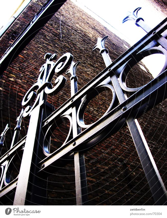 Tor Eingang Gitter hart Eisen Zaun Grenze Tür schmiedeeisern Ritter Defensive Koloss abschottung Verschluss