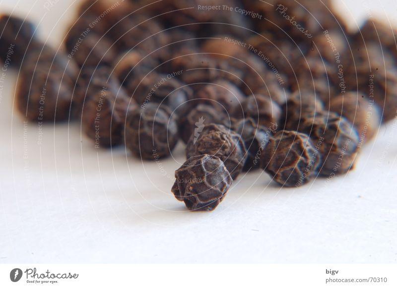 Gewürzt schwarz dunkel Ernährung Scharfer Geschmack Kräuter & Gewürze Gastronomie Haushalt Pfeffer Würzig