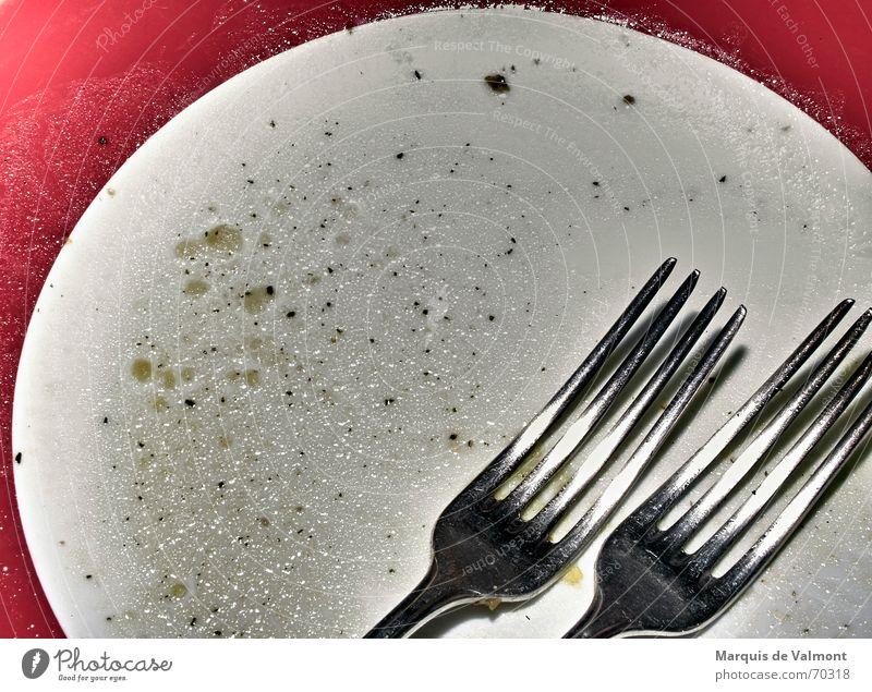 Die tausend Augen des Dr. Mazola Teller Mahlzeit Besteck Gabel Fettauge leer Geschirrspülen Wohngemeinschaft Frauenarbeit Haushalt Ernährung silber herr brabang