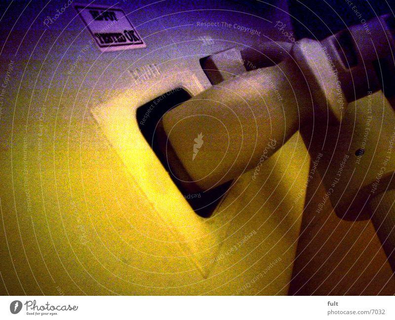 Monitoranschlüsse Bildschirm Stecker blau-gelb