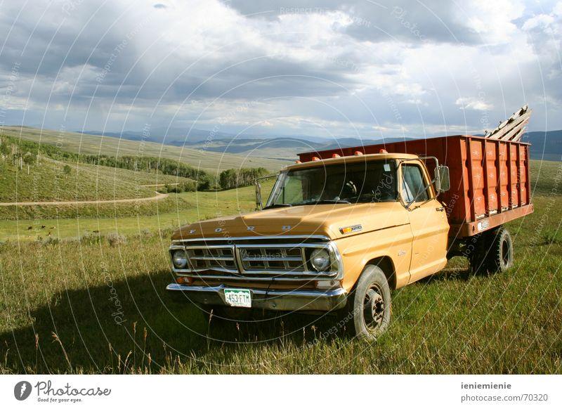 Pick me Up alt PKW fahren Lastwagen Länder Rost Nostalgie Oldtimer Western Pickup Colorado
