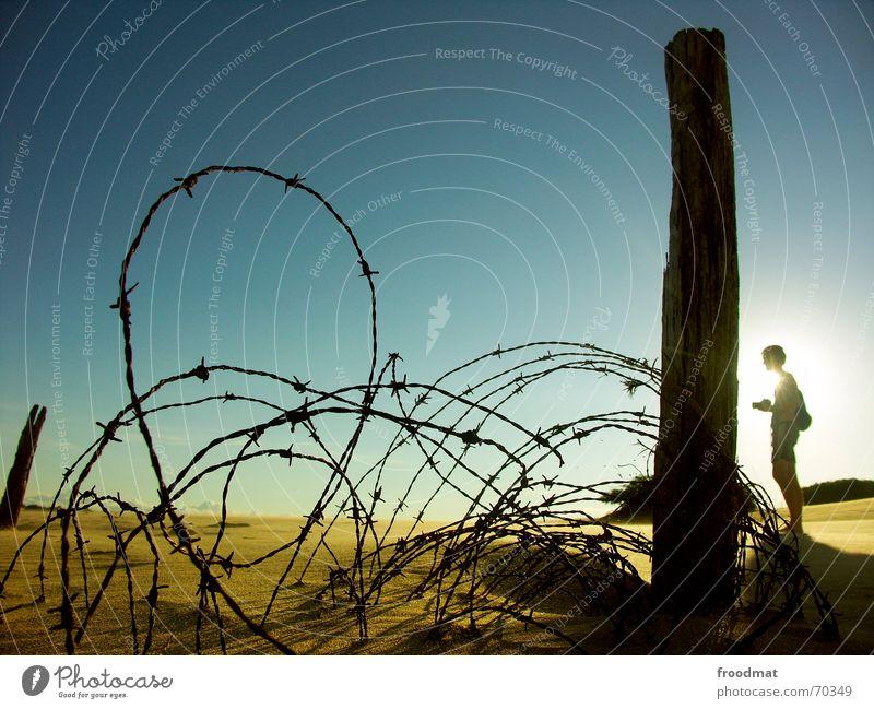 Stacheldraht Sonne Sommer Strand Sand wandern Wüste Spitze Zaun Barriere Fotograf Brasilien stachelig unterwegs Südamerika Stacheldraht
