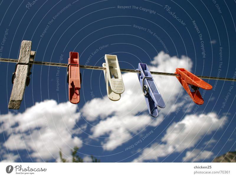 wäscheklammer Wäsche Klammer Wäscheklammern Wolken kluppe kluppen Himmel Seil Haushaltsführung