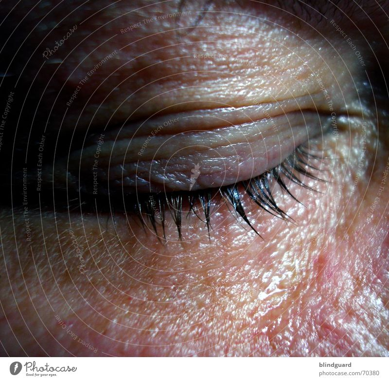Männertränen Haut Leben ruhig Mensch Mann Erwachsene Auge Traurigkeit Gefühle Leidenschaft Sorge Trauer Schmerz Enttäuschung Angst Verzweiflung feucht Wimpern