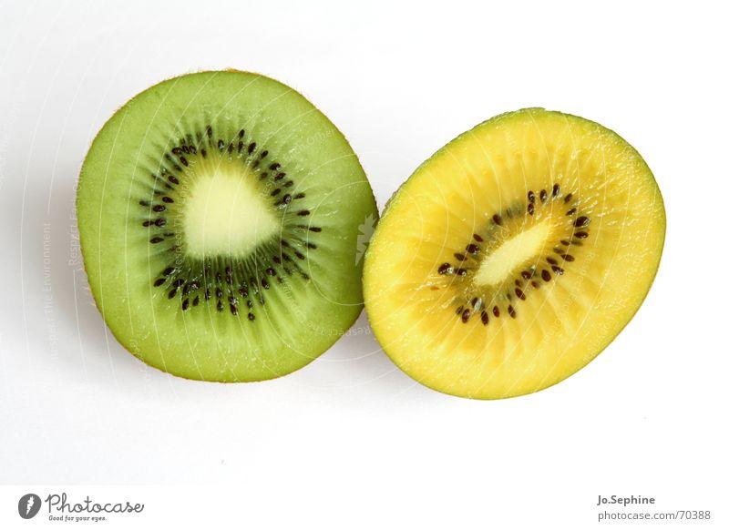 Kiwi grün gelb Sommer Gesundheit Frucht Lebensmittel frisch Ernährung rund Wellness Teile u. Stücke Teilung Erfrischung Diät Kerne Fruchtfleisch