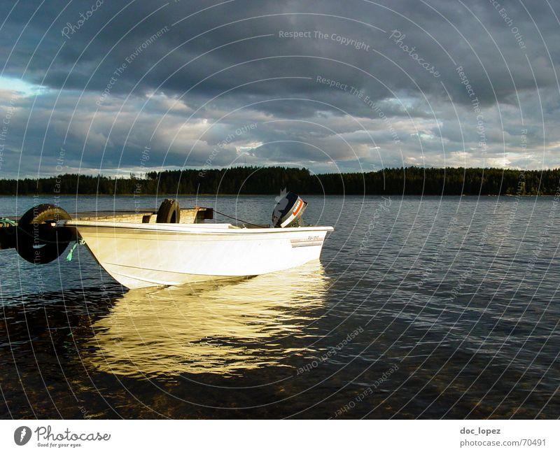 Crystal Lake_2 ruhig Wolken Wald See Landschaft Wasserfahrzeug Wellen Küste Wetter Insel Steg sanft erleuchten Motor Finnland