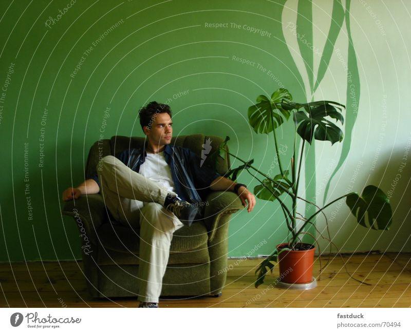 still waiting Mensch grün Pflanze Erholung Wand warten Stuhl Stoff Umzug (Wohnungswechsel) Parkett
