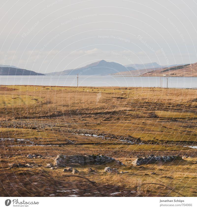 Isle of Skye I Himmel Natur Ferien & Urlaub & Reisen Landschaft ruhig Reisefotografie Berge u. Gebirge Umwelt natürlich Küste Stein braun Feld ästhetisch Aussicht Insel