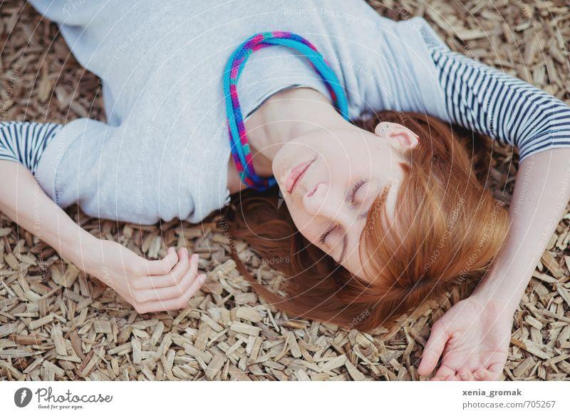 den Tag genießen Mensch Frau Kind Jugendliche schön Sommer Sonne Erholung Junge Frau ruhig 18-30 Jahre Erwachsene Leben feminin Spielen Freizeit & Hobby
