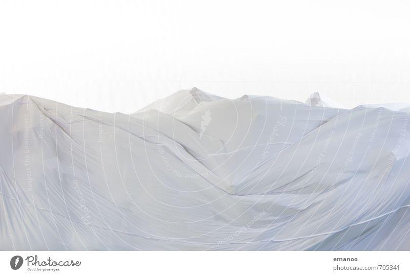 unter der Decke Stoff Bewegung fallen fliegen werfen dünn weich weiß geheimnisvoll Leichtigkeit Surrealismus Irritation Tuch Versteck leicht Falte unten
