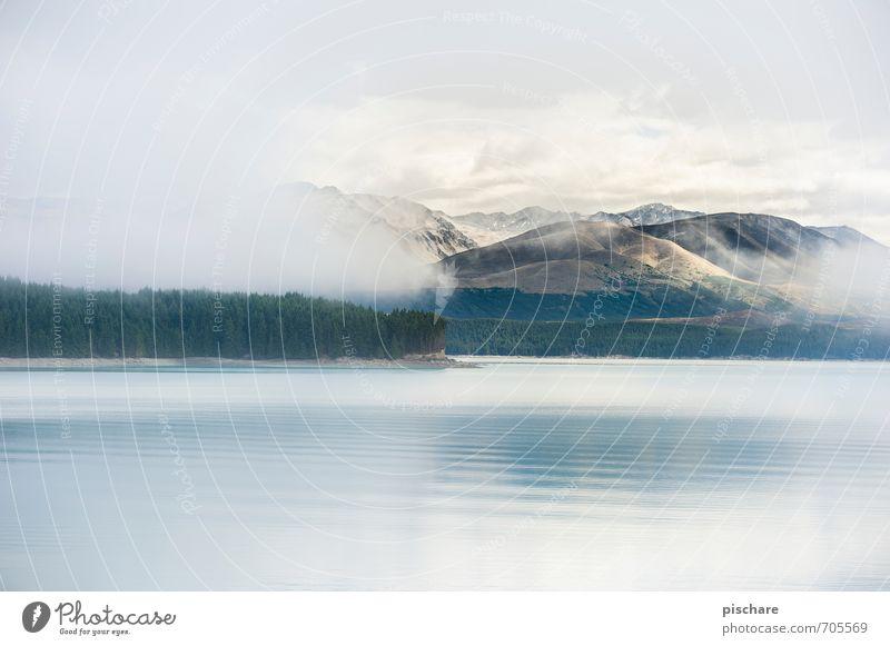 Lake Tekapo (mit Textfreiraum) Natur schön Wasser Landschaft Wolken Berge u. Gebirge Küste außergewöhnlich See Wetter Nebel Abenteuer Neuseeland