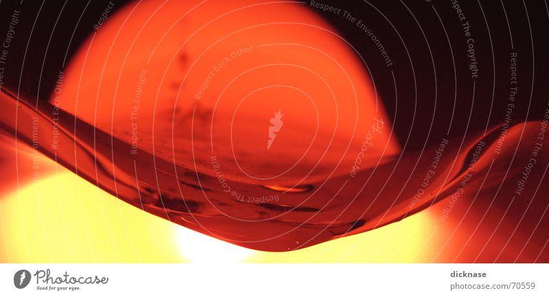 liquid glass vol.01 liquide schmelzen glühen Flüssigkeit zerlaufen zäh Lampe Licht abstrakt Glas viskos Reflexion & Spiegelung glow