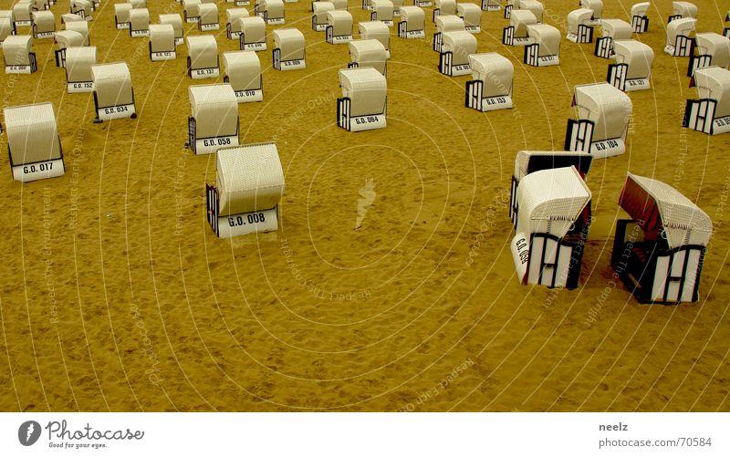 husch husch ins körbchen Strand Strandkorb Meer Küste Ferien & Urlaub & Reisen gemütlich Sommer Indien Curry Sellin Sand Regen Schutz Wind Wetter