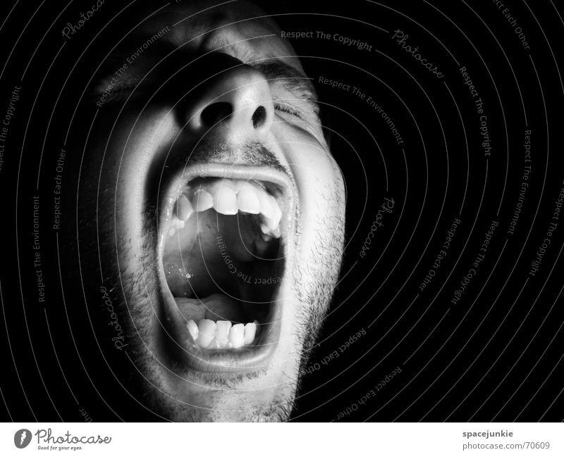 SHOUT (2) Porträt Mann Freak Angst beängstigend schreien dunkel schwarz Zähne zeigen böse verrückt Mensch Gesicht Gewalt Schwarzweißfoto