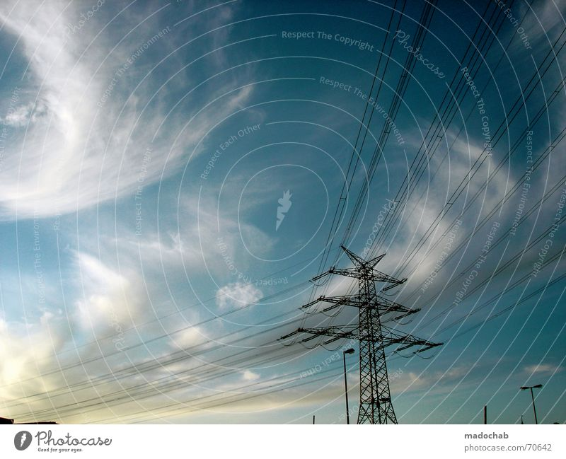 LINES IN THE SKY | himmel wolken clouds energie strom energy Himmel Sonne Sommer Wolken Linie Kraft Energiewirtschaft Elektrizität Kabel Industriefotografie