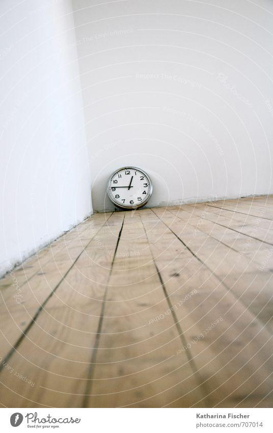 Zeit-Raum weiß schwarz Wand Holz braun Metall Uhr Technik & Technologie Beton Zukunft Vergänglichkeit Zifferblatt Vergangenheit silber