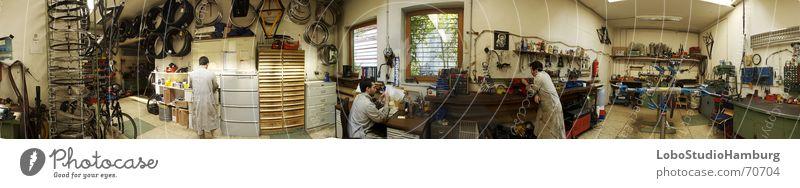 Werkstatt Arbeit & Erwerbstätigkeit Panorama (Aussicht) Fahrrad Werkzeug Innenaufnahme Kunstlicht groß Panorama (Bildformat)