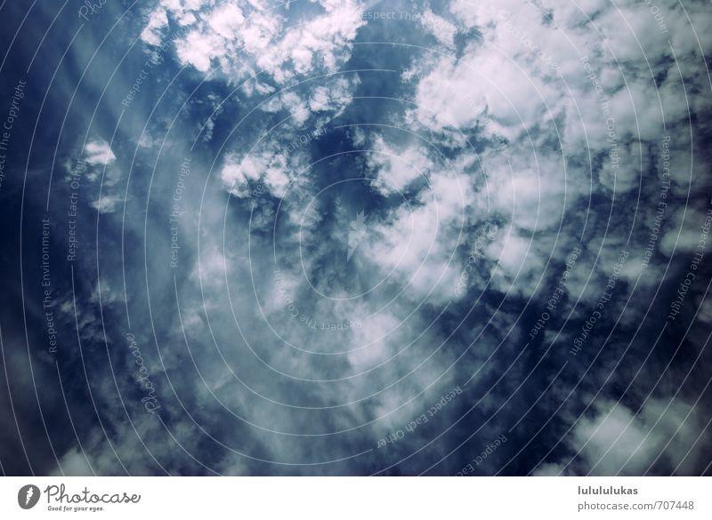 das ist ein himmel. Urelemente Himmel nur Himmel Wolken Sonne Sonnenlicht Schönes Wetter atmen beobachten blau weiß Kumulus Wolkenhimmel Wolkenformation